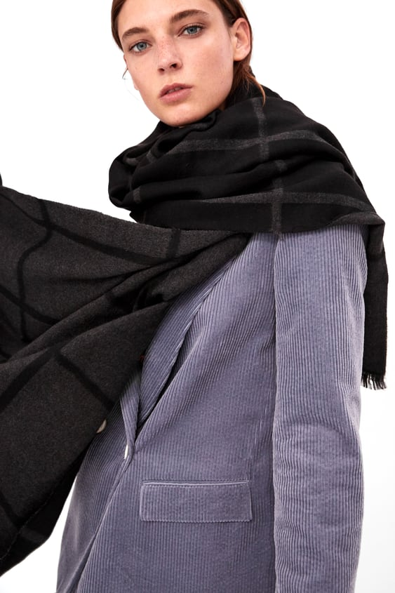 Image 4 of SOFT-TOUCH CHECKED SCARF from Zara