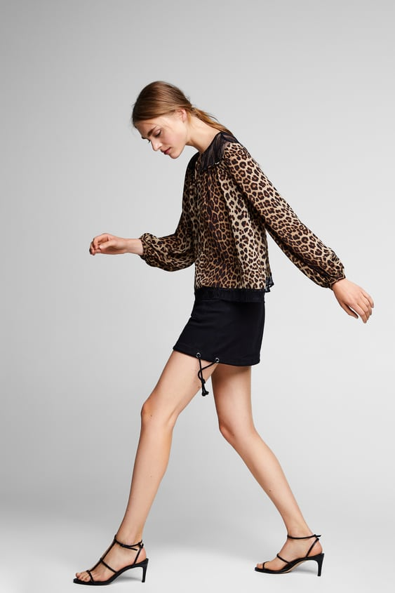 Image 6 of CONTRASTING ANIMAL PRINT TOP from Zara