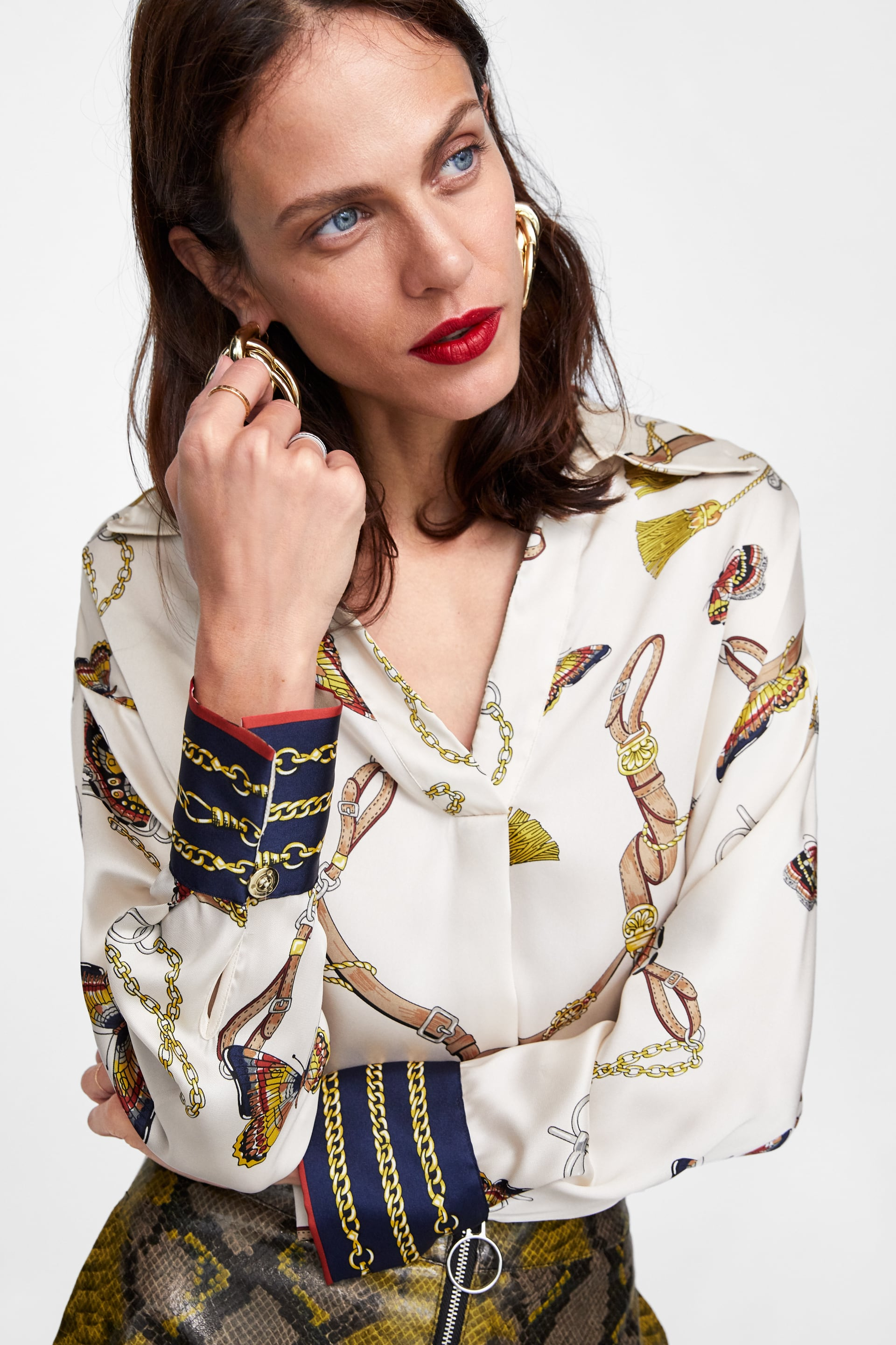 Image 2 of CHAIN PRINT BLOUSE from Zara