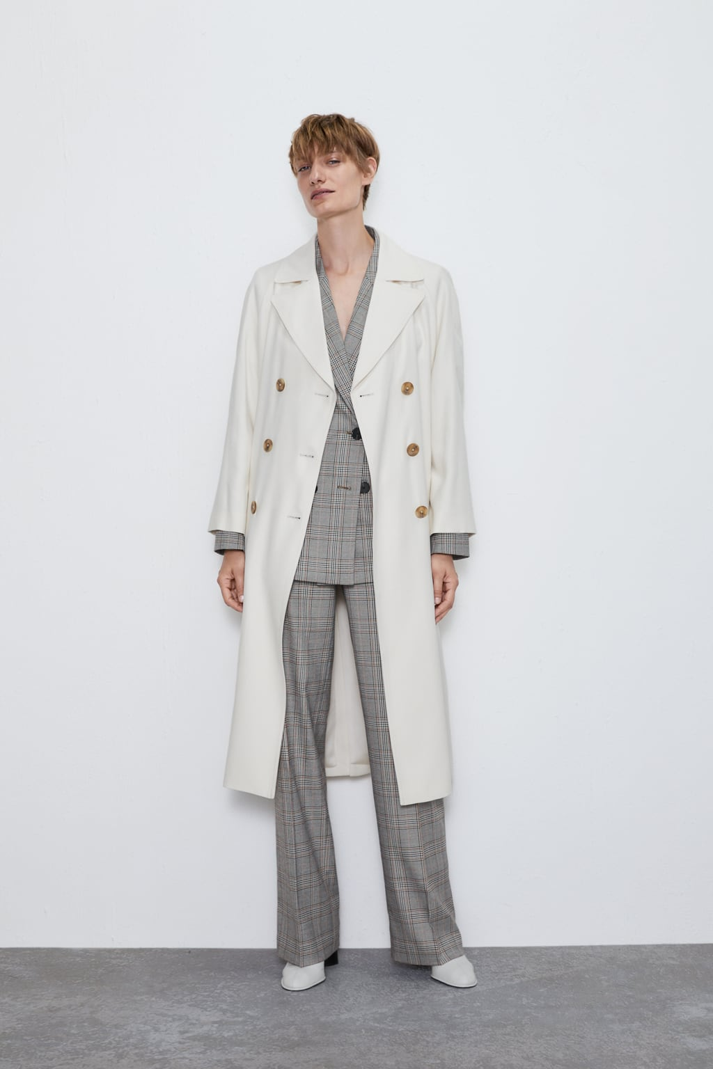 Image 1 of FLOWING BUTTONED TRENCH COAT from Zara