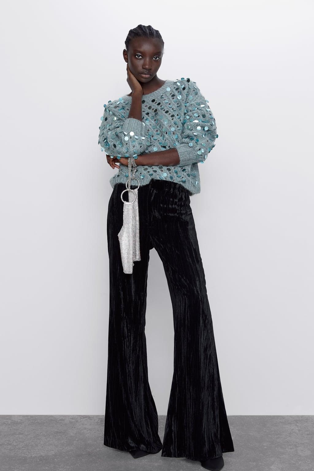 Immagine 1 di MAGLIA CON STRUTTURA IN PAILLETTES di Zara