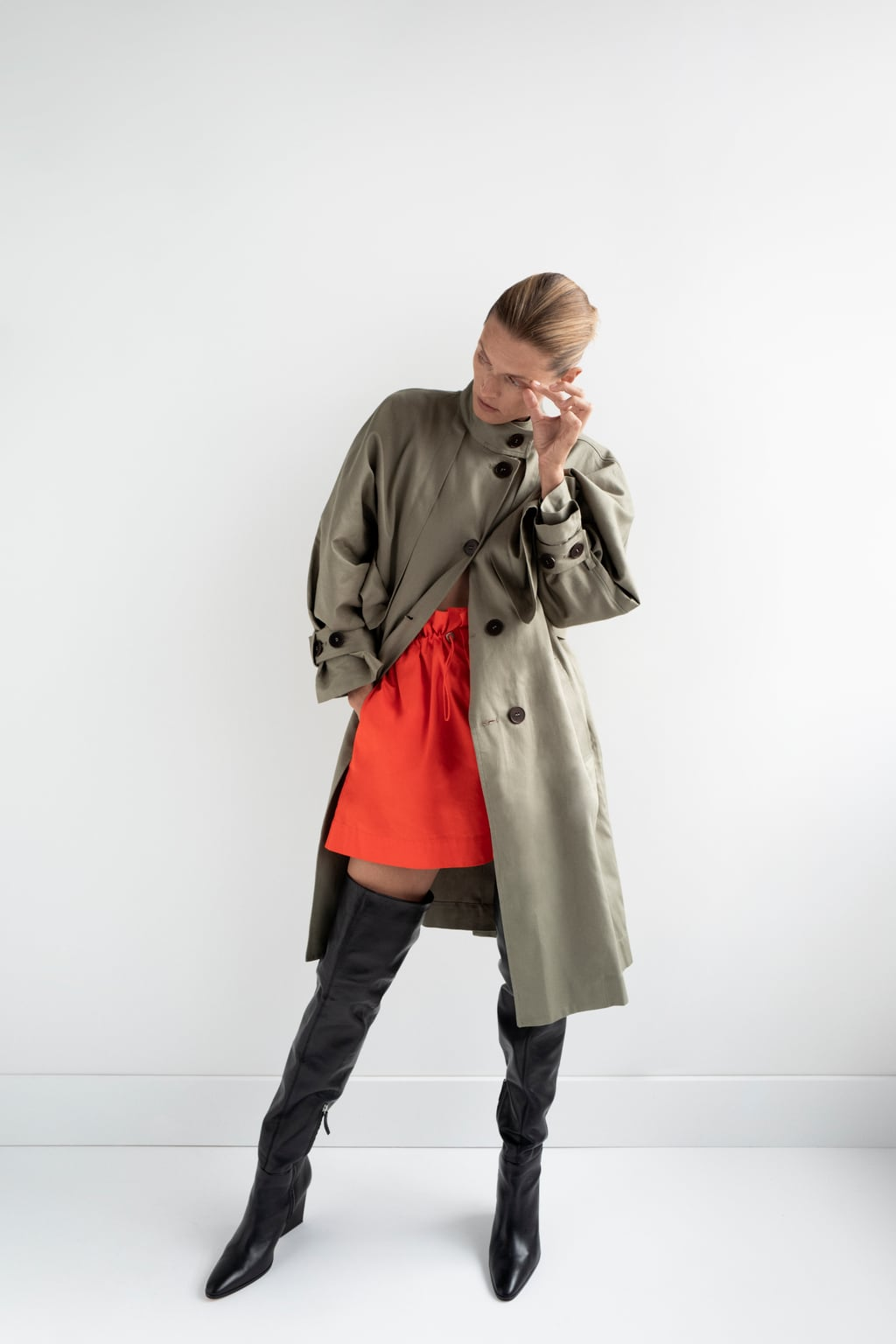Image 1 of OVERSIZED BUTTONED TRENCH COAT from Zara