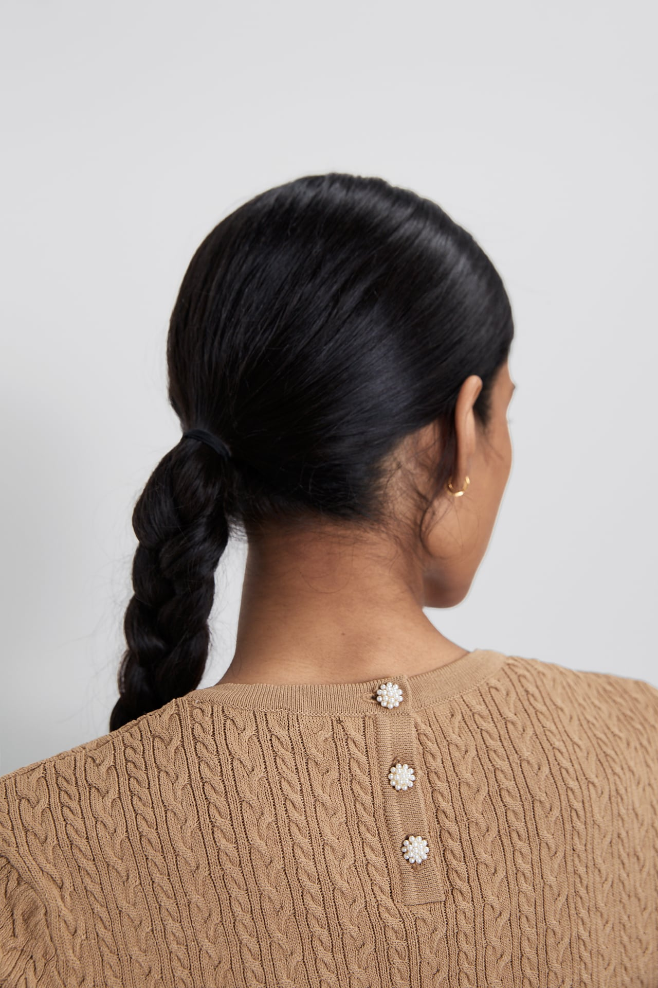 Image 4 of TEXTURED SWEATER WITH PEARL BUTTON DETAIL from Zara