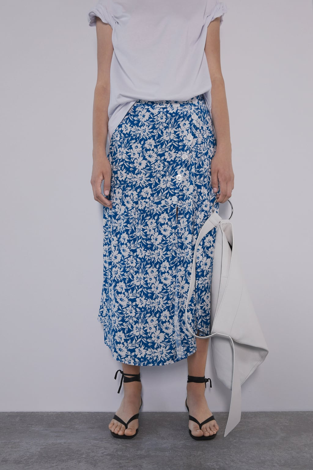 Image 2 of FLORAL PRINT SKIRT from Zara