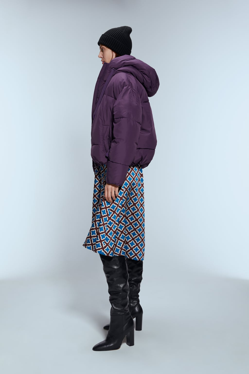 Image 3 of PUFFER JACKET WITH HOOD from Zara