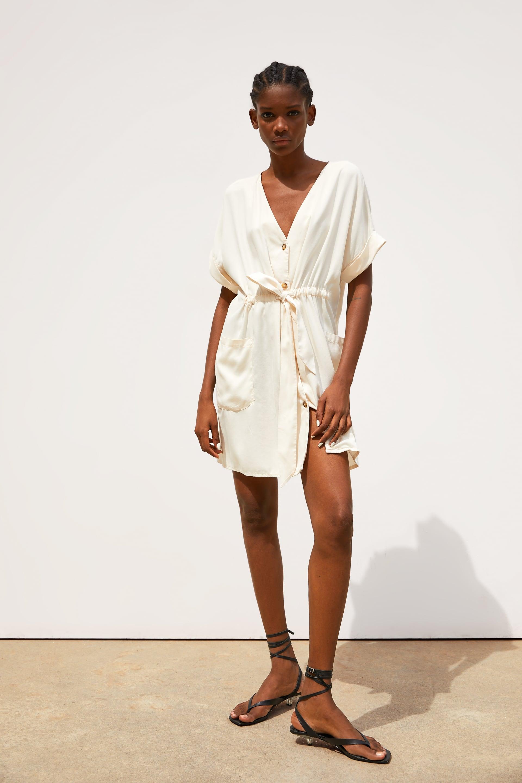 הקיץ הזה תלבשי לבן: הפייבוריטס שלנו מ-ZARA אונליין