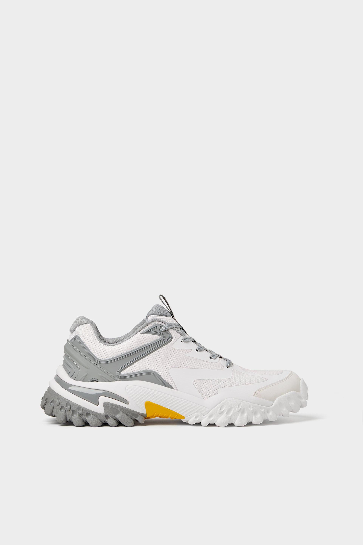 hiking sneaker