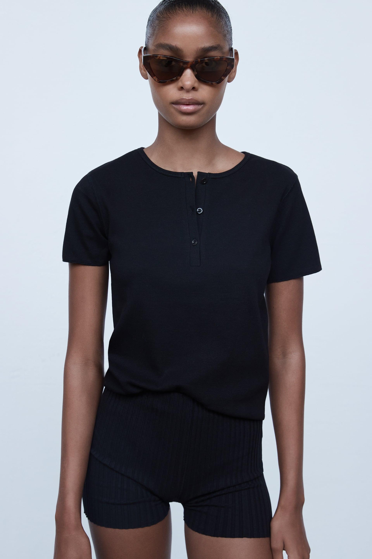 Image 3 de HAUT À BOUTONS de Zara
