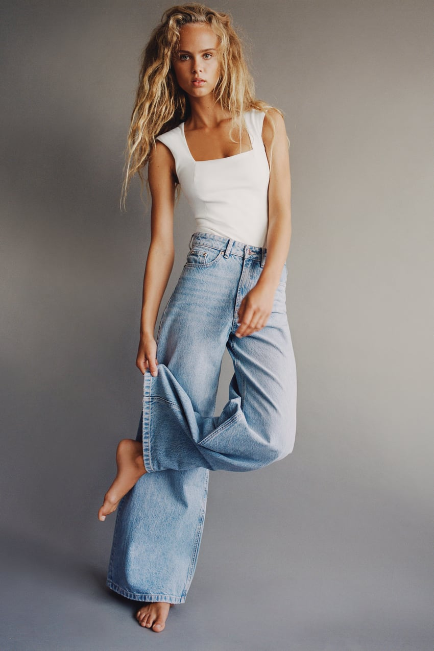 Image 1 of SUPER WIDE LEG MID RISE JEANS from Zara