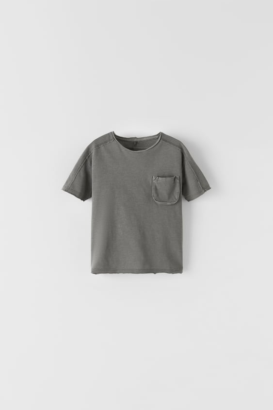 T-SHIRT WITH GUSSET POCKET