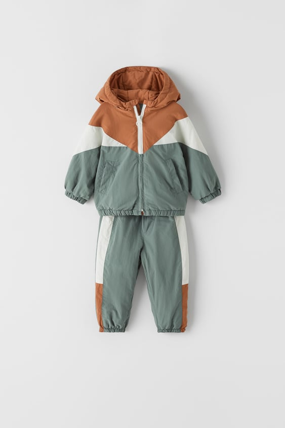 TWO-PIECE TRACKSUIT