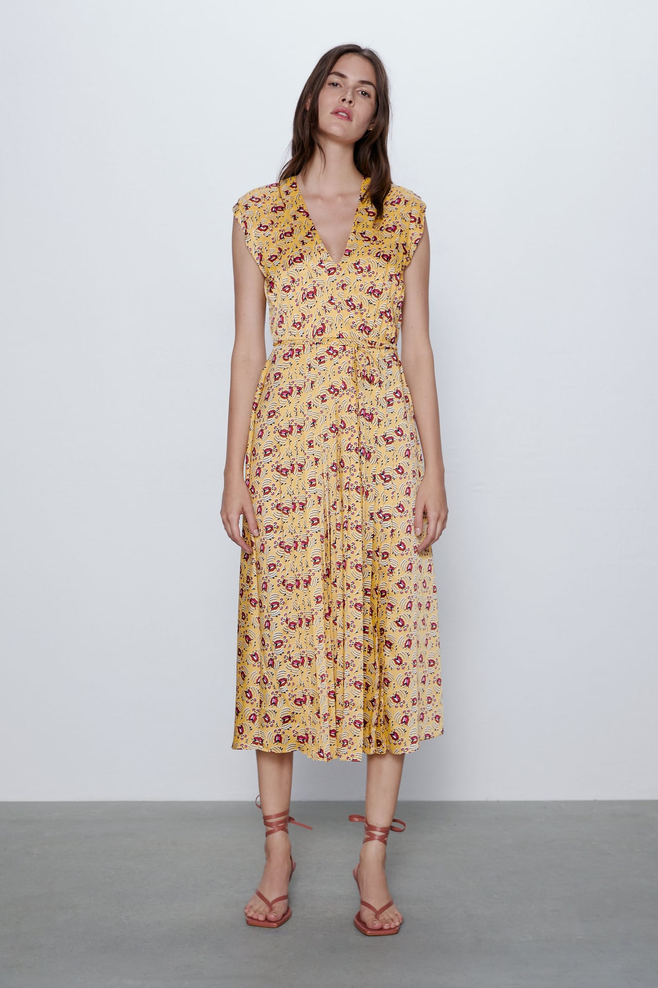 Image 1 of FLORAL DRESS WITH PLEATS from Zara