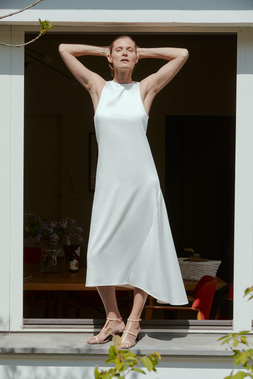 """עד 1200 ש""""ח: 12 אופציות לשמלות כלה לרכישה אונליין"""