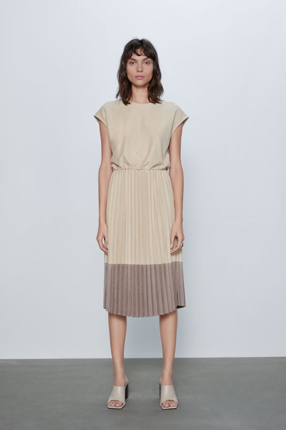 CONTRASTING PLEATED DRESS