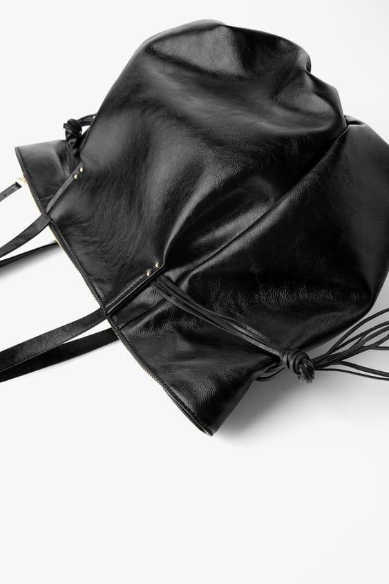 CRACKED-EFFECT TOTE BAG