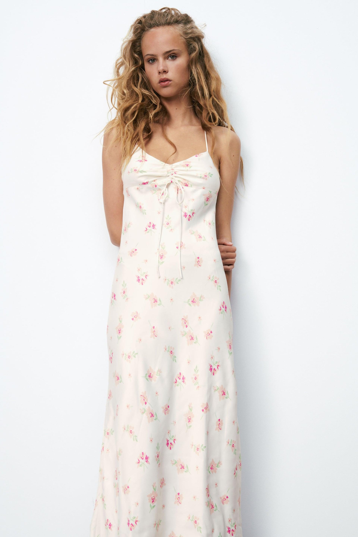 Satiniertes Kleid Mit Blumenmuster Zara Deutschland Germany