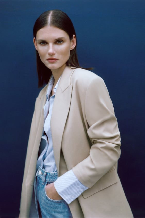 Image 1 of DOUBLE-BREASTED OVERSIZED BLAZER from Zara