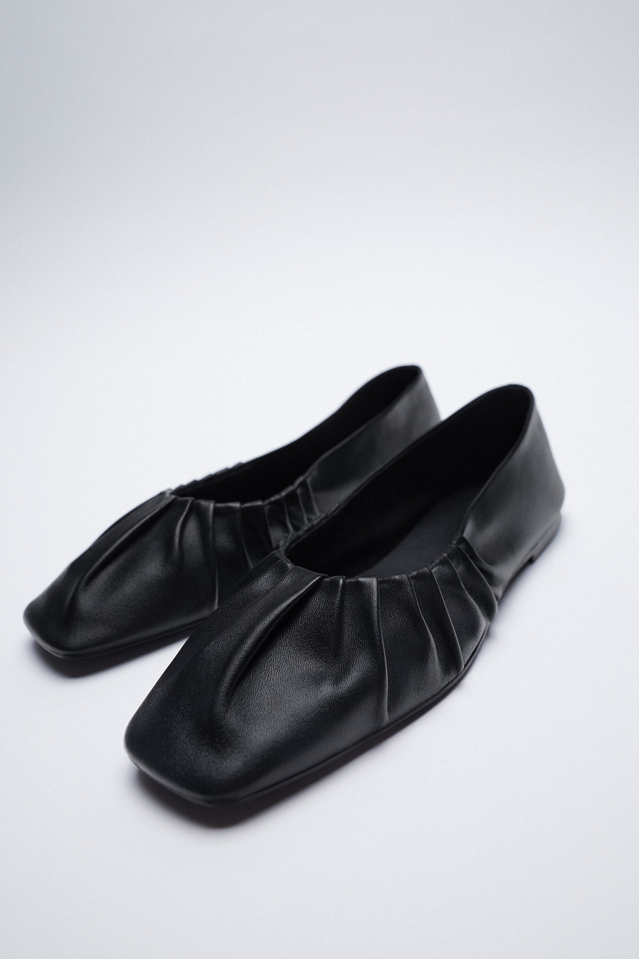 GATHERED LEATHER BALLET FLATS zara