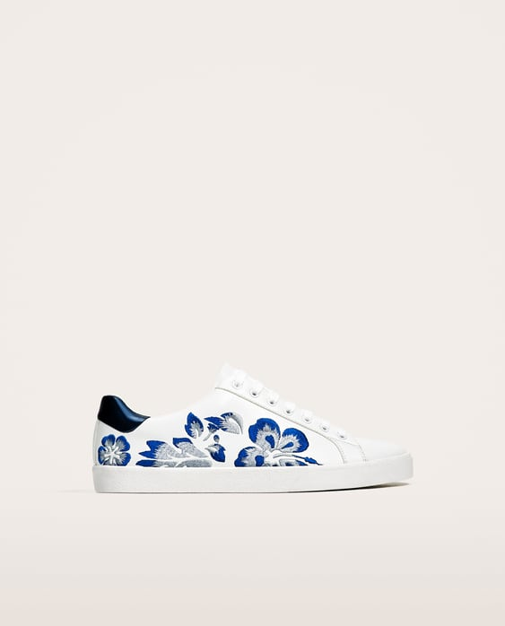 WHITE SNEAKERS WITH FLORAL EMBROIDERY