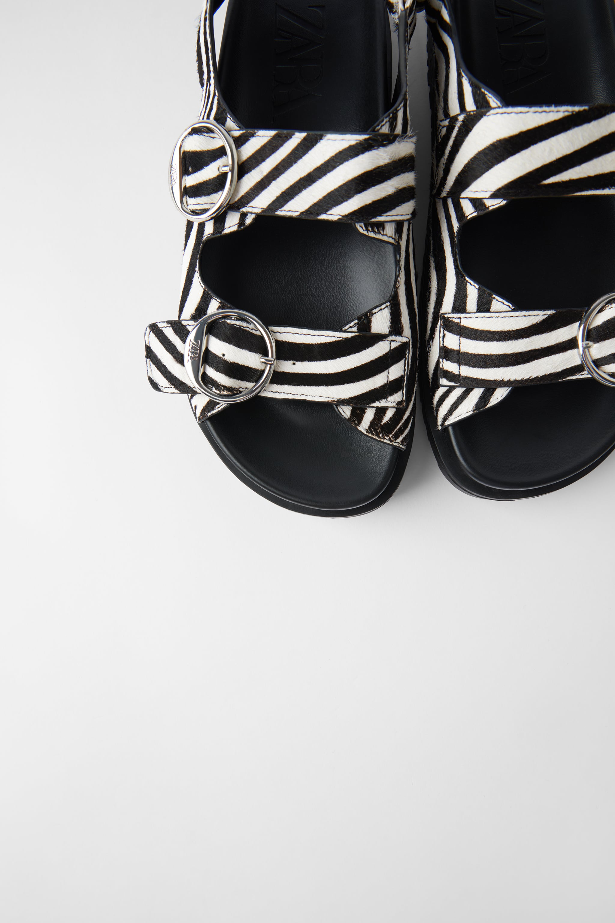 Zara ANIMAL PRINT FLAT LEATHER SANDALS WITH BUCKLES