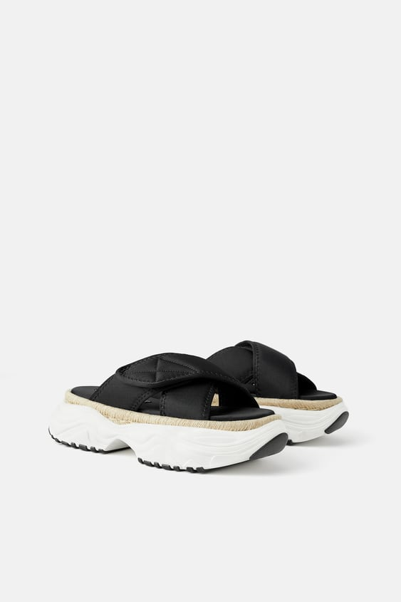FLAT PADDED ATHLETIC SANDALS