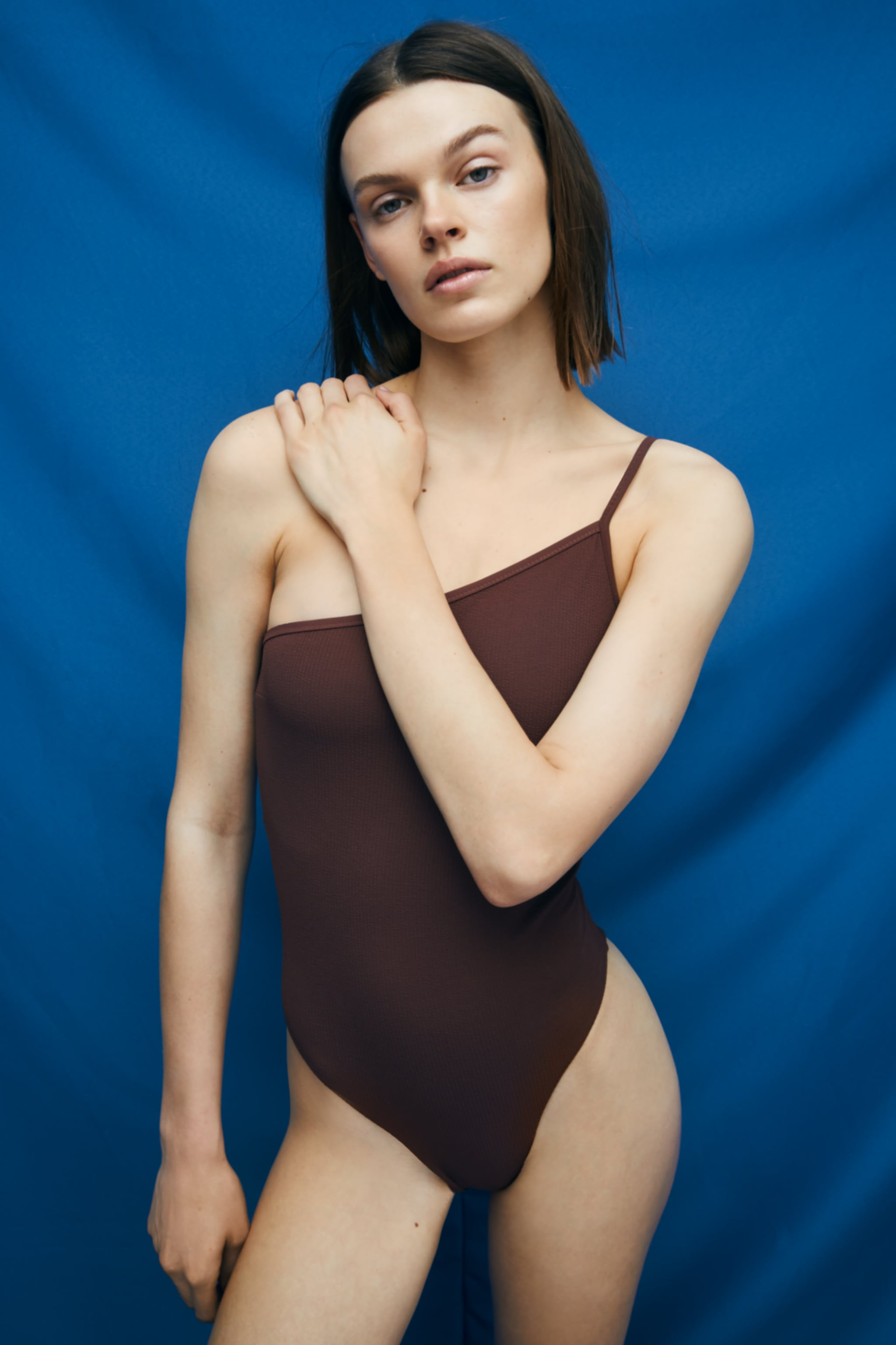 Zara TEXTURED ASYMMETRIC SWIMSUIT