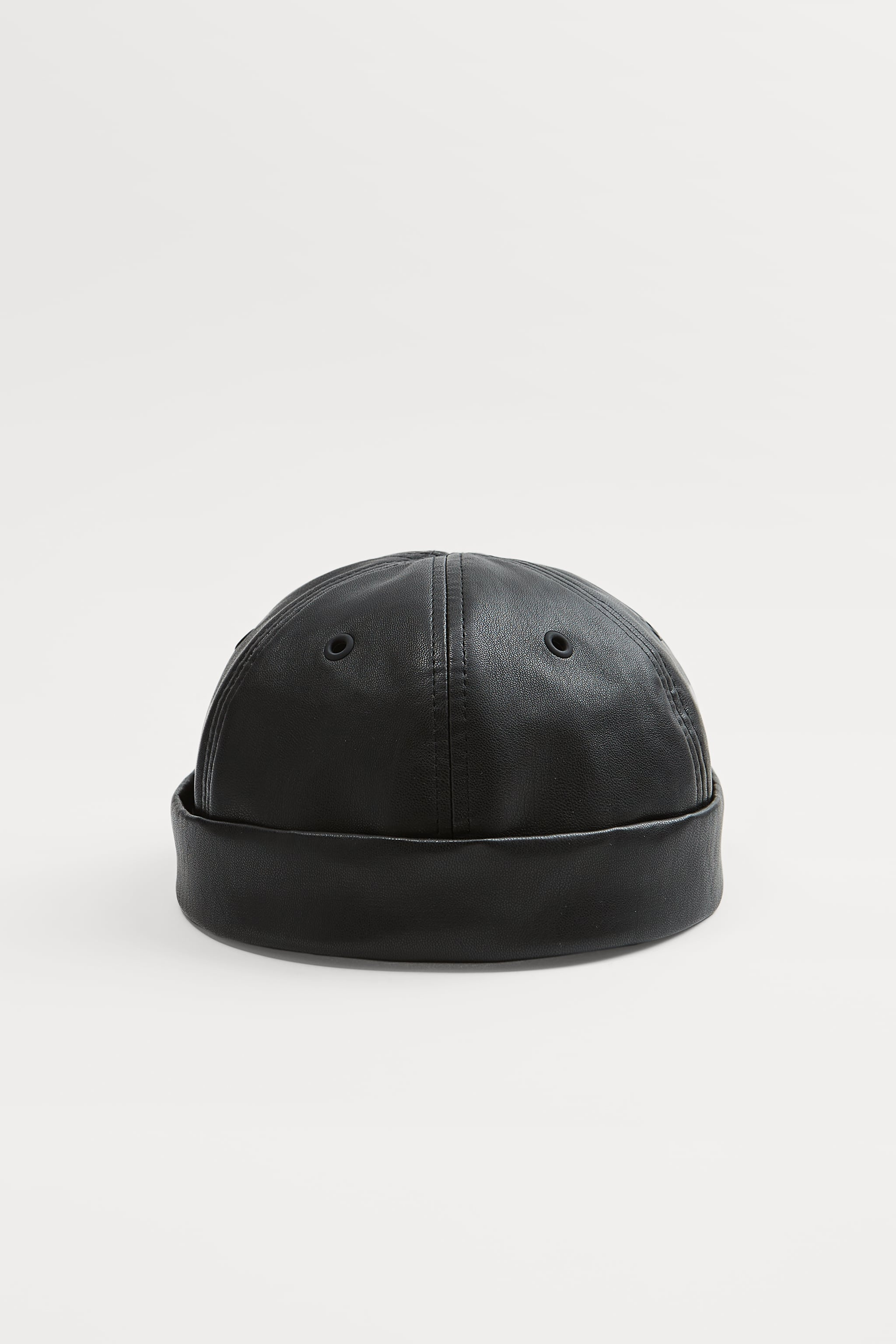 Zara FAUX LEATHER SHORT HAT