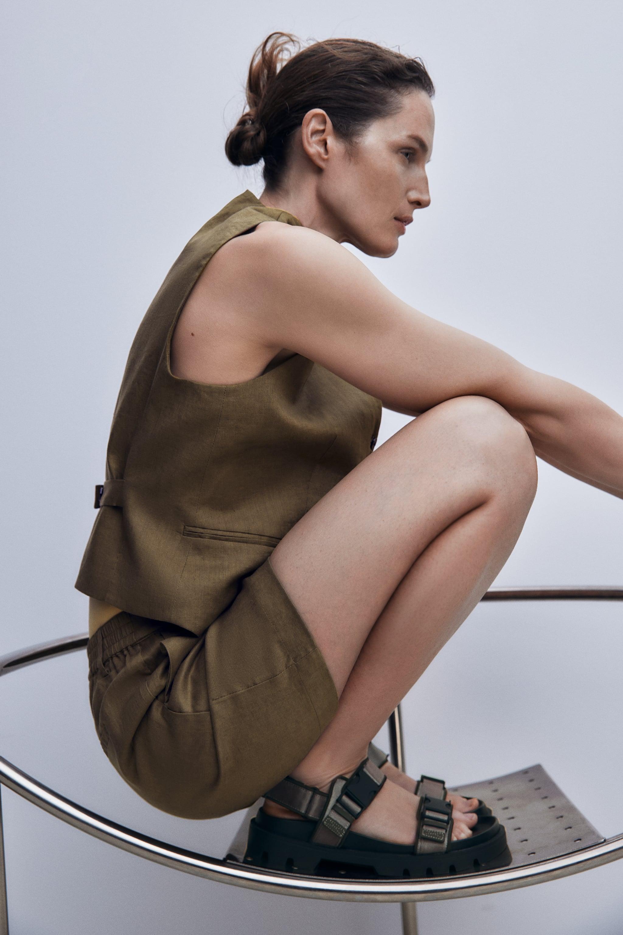 Zara FLAT STRAPPY SANDALS